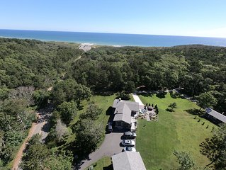 Walk to Newcomb Hollow Beach, 3BR, 2BA House w/Hot Tub & optional Studio Cabin
