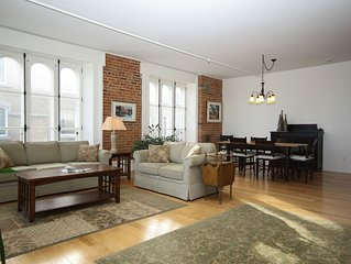Enormous Riverfront 2 Bedroom Condo in Heart of Old Quebec