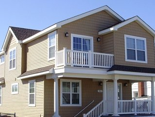 Beautiful New 4 BR House short walk to Beach and Restaurants and a GREAT BEACH!!