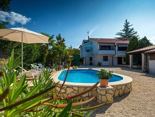 Large villa with private pool in Porec