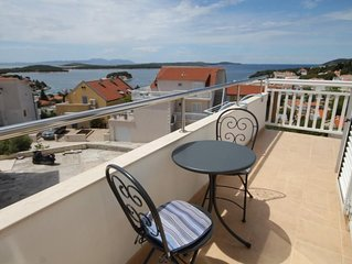 Two bedroom apartment with balcony and sea view Hvar (A-8794-b)