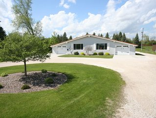 Close to Downtown Elkhart Lake!!