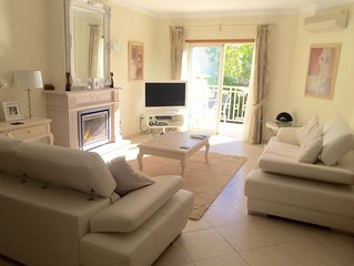 luxury villa, wifi, sleeps 6/7 with full access to complex