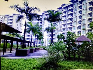 1 BR CONDO NEAR AIRPORT TERMINAL 3 & RESORT WORLD MANILA