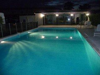 lou roucas   Maison de caractere Grande maison grande piscine et grand auvent