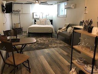 The Hideaway, charming, cozy loft style studio in Hendersonville, NC