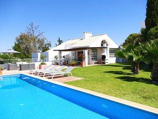 ALBUFEIRA: Maison de charme avec jardin, piscine et vues panoramiques