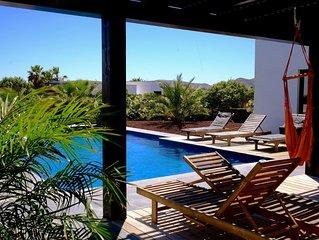 Superbe villa  avec piscine à 10 minutes à pieds du centre de Lajares