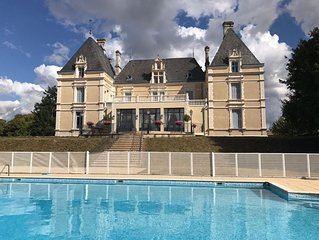 Lovely Apartment In Renovated Chateau