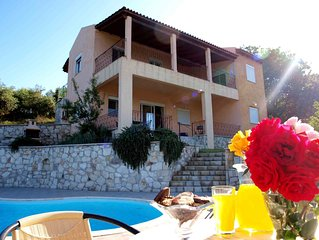 Peaceful and private family villa with pool, panoramic views of sea and mountain