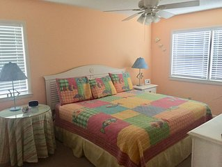 Comfortable family beach cottage with easy beach access!!
