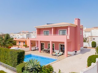 Villa with Wi-Fi | A/C | private pool | table tennis | near beach and town centr