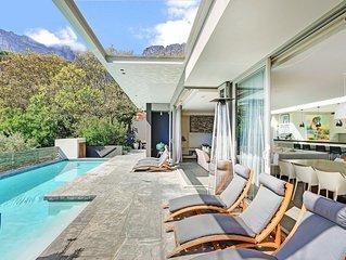 Modern upmarket villa with 4 bedrooms, en-suite, spectacular views in Camps Bay