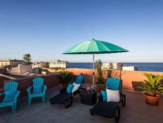 Beautiful 160 sqm upper floor apartment with sea view terrace,