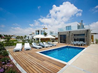 R615 Luxury 3 bedroom Villa in Paphos with Private Pool