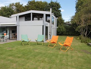 Wonderful holiday home with large garden, within 100 metres of the Veerse Lake