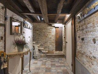 160 metri quadrati in pieno centro storico, a due passi da piazza San Marco