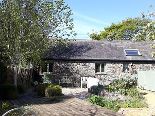 Beautiful Irish stone cottage close to Carlingford, Greenore and Lily Finnegan's