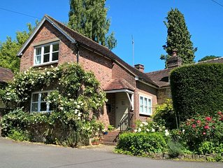 Charming newly refurbished cottage, Ashdown Forest, excellent pub
