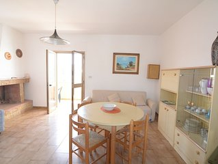 OFFERTA:Salento,Torre dell'Orso:5-6 posti confortevole primo piano.