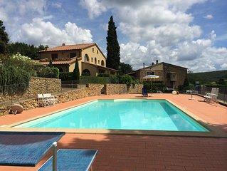 La Ninfea con piscina e giardino vista mare
