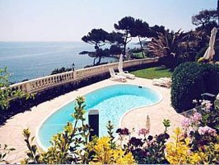 A Two Bedroom Duplex Apartment With Panoramic Sea Views, location de vacances à Antibes