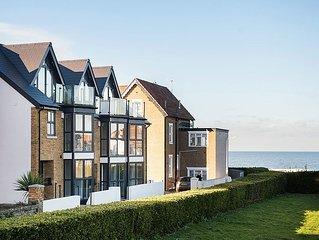 Sandy Villas Newly Built Property sleeps 10 !!