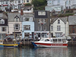 4* VISIT ENGLAND RATED HARBOURSIDE WITH STUNNING VIEWS OF HARBOUR AND OUT TO SEA