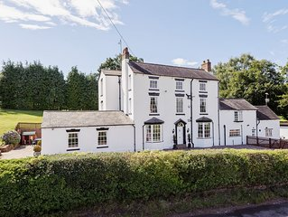 7 bedroom accommodation in Knowle Sands, near Bridgnorth