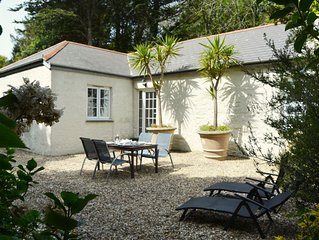 From £25 pppn. Luxury 5-star cottage near the Cornish coast on the Bonython Esta