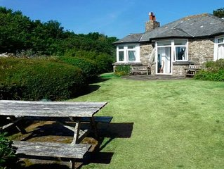 A Hidden Gem -- Cornish Cottage with Private Shared Valley and Beach - REDUCTION