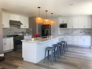 4bd 3ba Modern House Disneyland & Beach