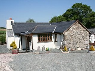 Lovely 5* Converted Barn In Private And Convenient Location To Coast & Mountains