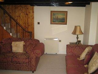 Quaint 2 Bedroom Former Harbourmaster's Cottage