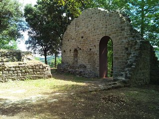 Nel cuore d' Italia, ai confini fra Toscana e Marche. Nel borgo di PREGGIO.