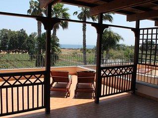 Oase zum Ausruhen, private Residenz mit Pool und Tennis, Strandnahe