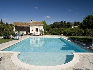 Komfort-Ferienwohnung 100qm, im provencalischen Mas mit grossem Garten  und Pool