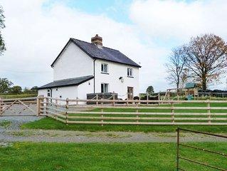 Cwmcelyn - Three Bedroom House, Sleeps 6