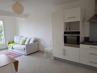 En pleine nature, superbe appartement climatisé avec terrasse au RDC d'une villa