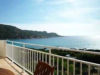 appartement dans villa bord de mer