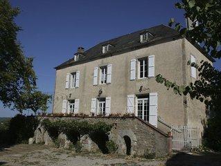 SUPERBE MAISON de MAITRE pisc privee 12 p Vallee Dordogne-CORREZE limite LOT