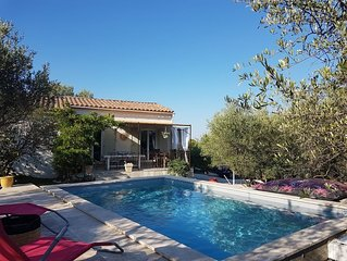 Villa provençale climatisée belle Piscine triangle Arles  Nimes Avignon