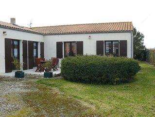 PROMO/Maison tout confort, avec jardin arbore de 700m2 situé  250 m de la mer