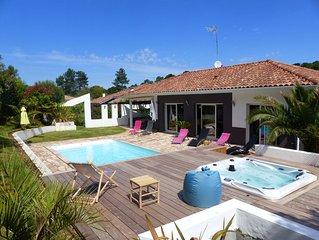 Villa moderne avec piscine et SPA pour 8 personnes. Très belles prestations