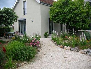 Maison pour 4 personnes maxi avec jardin et parking prive