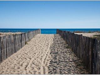 Villa 'pieds dans le sable', petit paradis au bord de la Mediterrannée