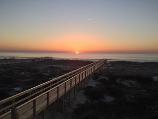 Newly Renovated!! Breathtaking ocean views from this 2 BR/2BA Condo, sleeps 6.