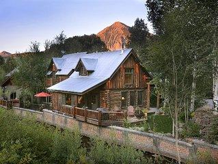 CB's Favorite Luxury Cabin! Hot Tub! On Coal Creek! 1.5 Blks to Free Shuttle!
