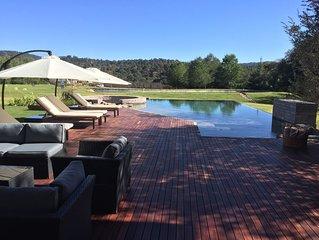 Casa Espectacular! Con Lago, Alberca y Jacuzzi junto al Club Golf Rancho Avanda
