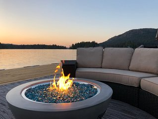 GORGEOUS LAKEFRONT VACATION RENTAL